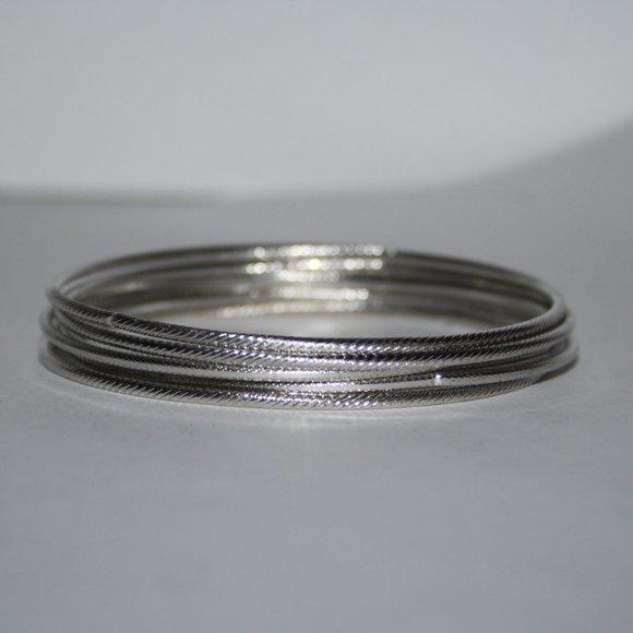 Bundle of pretty nwot silver bangle braceletes